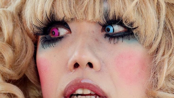 Das Internet ist voll von kuriosen Trends und abschreckenden Schönheitsbeispielen (Symbolbild). (Foto)