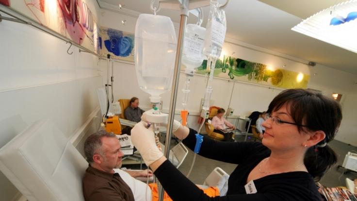 Neue Behandlungsmethoden gegen Krebs könnten klassische Methoden wie Chemotherapie bald überflüssig machen. (Foto)