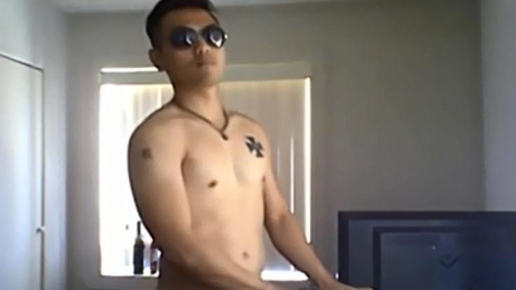Alvin Tan in seinem Youtube-Video, in dem er den Azan