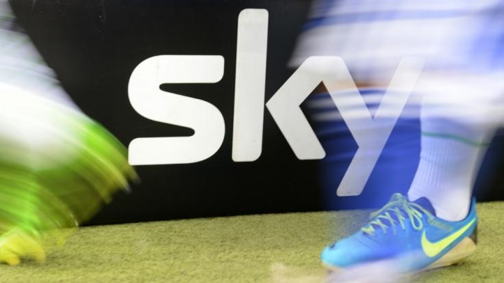 """Mit dem """"Sky-Ticket"""" können Fußball-Fans die Bundesliga künftig auch ohne Abo sehen. (Foto)"""