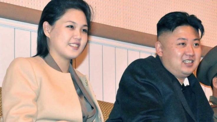 Kim Jong-un und seine Ehefrau Ri Sol Ju. (Foto)