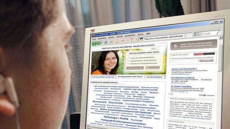 Geben und nehmen: Hausaufgabenportale im Internet (Foto)