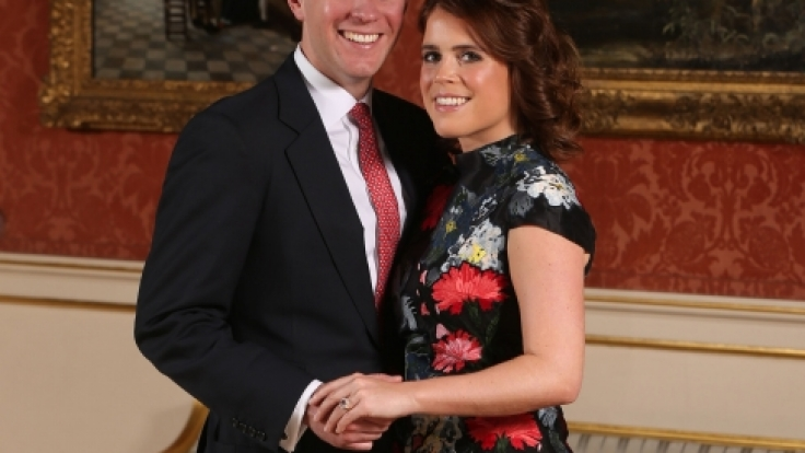 Grüßen als Verlobte: Prinzessin Eugenie von York und Jack Brooksbank.