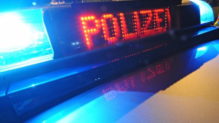 Die Polizei in Gütersloh musste am Wochenende zu einem Unfall ausrücken, bei dem ein dreijähriges Kind schwer verletzt wurde (Symbolbild).