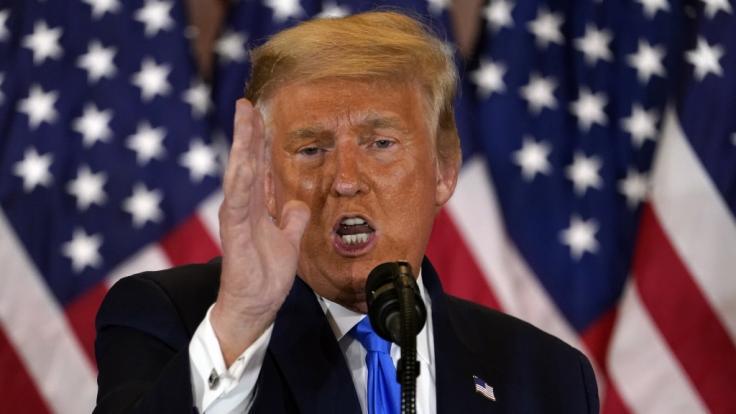 Donald Trump, Präsident der USA, spricht am frühen Mittwochmorgen im Ostsaal des Weißen Hauses. (Foto)