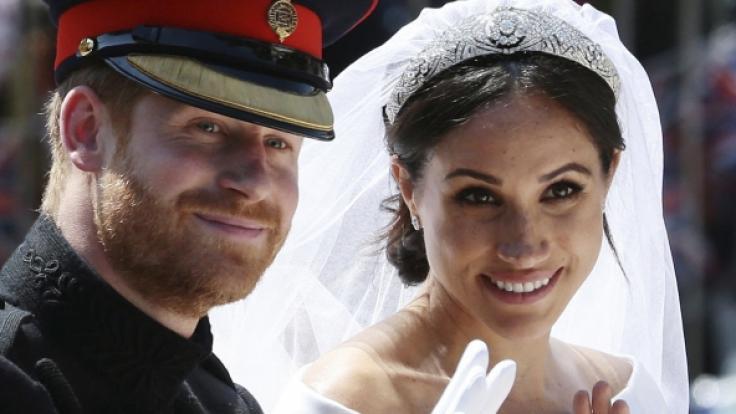 Meghan Markle durfte an ihrem Hochzeitstag eine funkelnde Tiara als Leihgabe von Queen Elizabeth II. tragen. (Foto)
