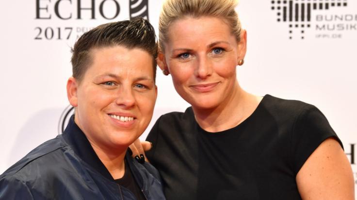 Kerstin Ott und Ehefrau Karolina Köppen. (Foto)