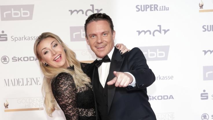 Stefan Mross mit seiner neuen Freundin Anna-Carina Woitschack. (Foto)