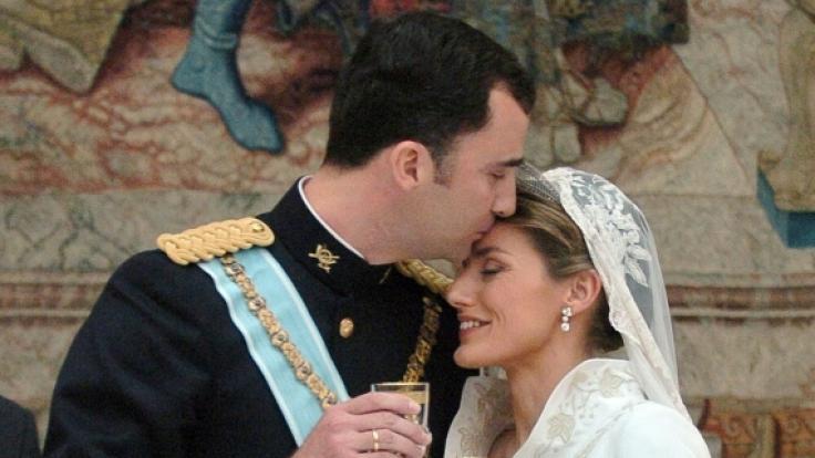 Zur Hochzeit des Thronfolgerpaares kamen 1.400 Gäste aus Hochadel, Politik und öffentlichem Leben.