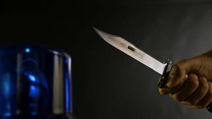 Ein Mann aus Indonesien übte blutige Rache am mutmaßlichen Vergewaltiger seiner Frau (Symbolbild). (Foto)