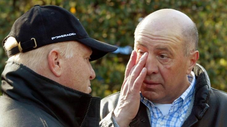 Wolfgang Strohband (r), der frühere Manager von Jan Ulrich ist mit 83-Jahren gestorben. (Foto)