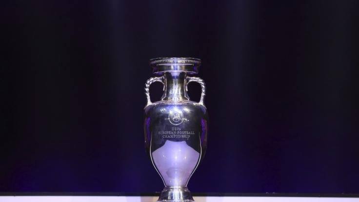 Wer wird den heiß begehrten EM-Pokal in diesem Jahr mit nach Hause nehmen?