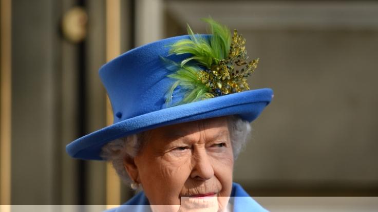 Queen Elizabeth II. soll ihrem Sohn Prinz Charles und dessen Ehefrau Prinzessin Diana eine klare Ansage gemacht haben.