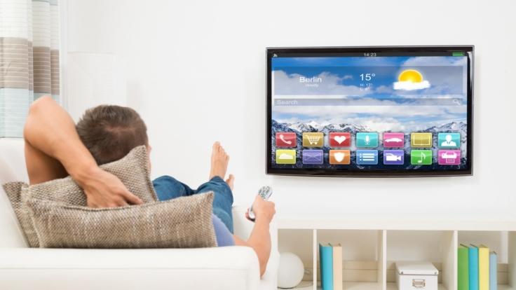 Wer auf Größe und Qualität wert legt, muss bei Fernsehgeräten schon mal tiefer in die Tasche greifen.