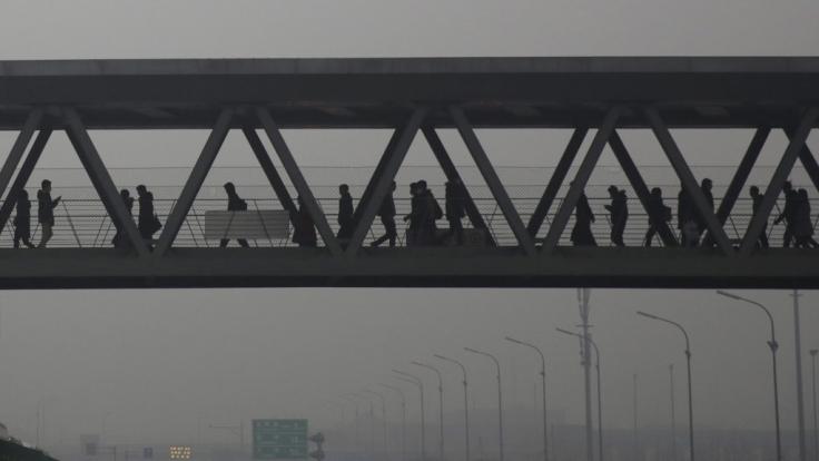 Hier ist frische Luft Mangelware. Smog-Alarm wird in chinesischen Metropolen immer häufiger ausgerufen. (Foto)