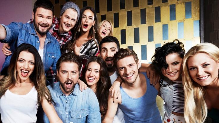 Gerade läuft die Jubiläumsfolge der RTL-Kultserie, da schlagen die Herzen der Fans erneut höher: Drei ehemalige GZSZ-Stars wollen zurück ans Set! (Foto)