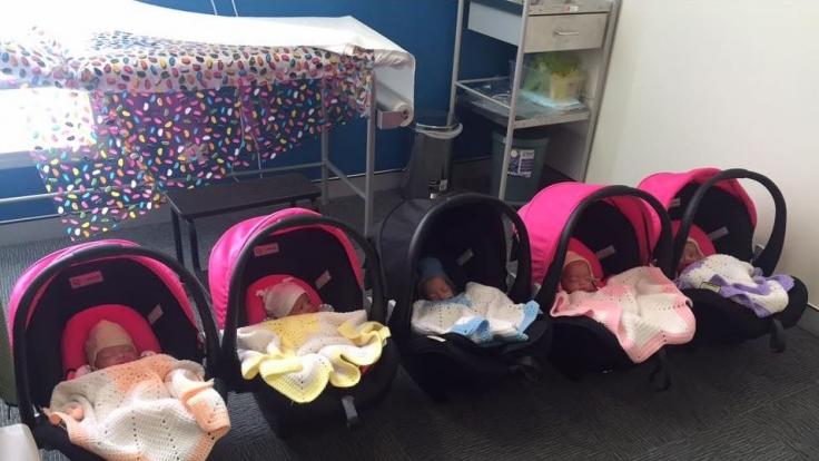 Überraschung! Ganz ohne künstliche Befruchtung wurde eine junge Australierin mit Fünflingen schwanger.
