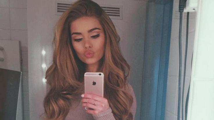 Spiegel-Selfies bringen die meisten Likes ein, weiß Instagram-Star Pamela Reif.