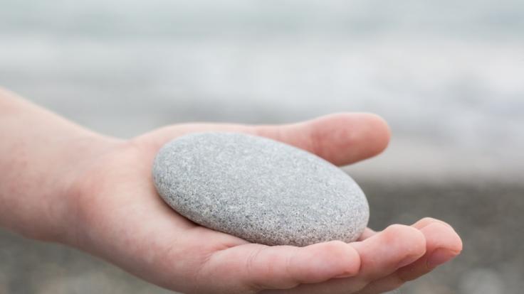 Ein Junge hat drei Kinder mit einem Stein erschlagen. (Symbolfoto)