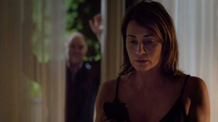 Rebeccas (Anja Kling, r.) hat Angst vor Tiberius (Udo Samel, l.).