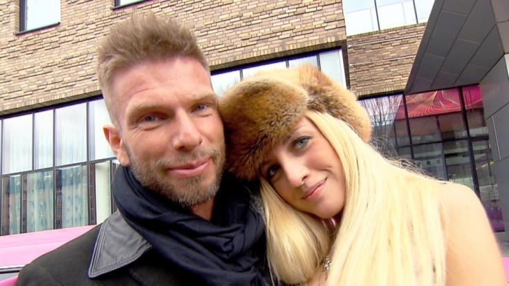 Isi ist seit sechs Monaten mit Internetmillionär Axel liiert.
