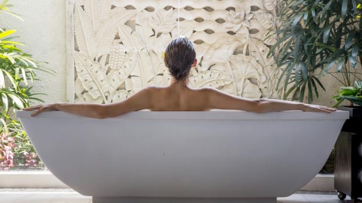 Eve Jobs wirbt in Der Badewanne für ein Beauty-Unternehmen. (Symbolfoto) (Foto)