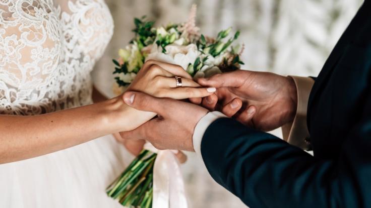 """Die Ehe-Geschichte von Mary Cosby ist alles andere als gewöhnlich: Die Glamour-Lady aus """"The Real Housewives of Salt Like City"""" hat ihren Stief-Oma geheiratet (Symbolbild). (Foto)"""
