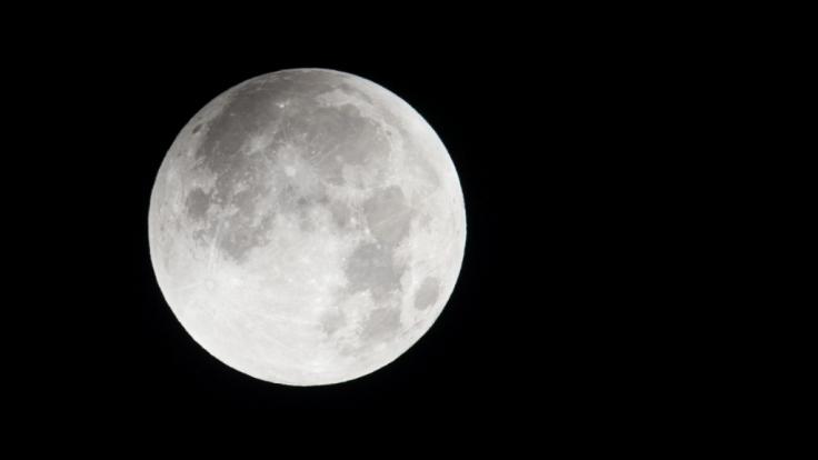 Astronauten der Apollo-10-Mission berichten von seltsamer Alien-Musik auf der Rückseite des Mondes. (Foto)