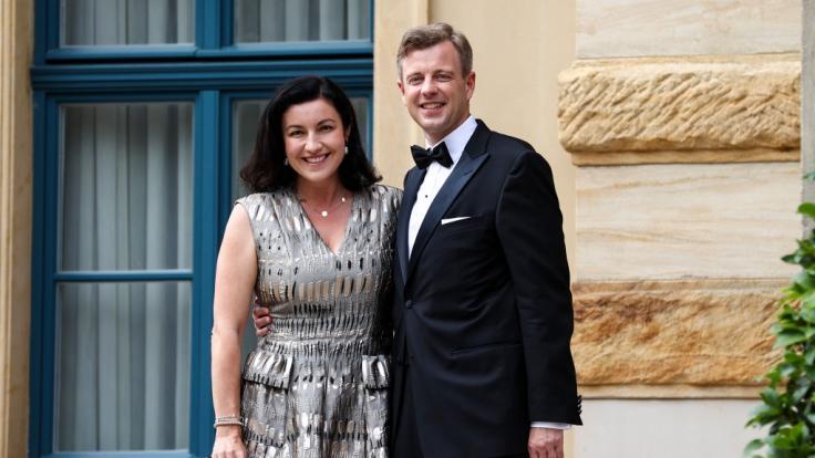 """Dorothee Bär mit Mann Oliver Bär bei den """"Richard-Wagner-Festspielen"""" 2021. (Foto)"""
