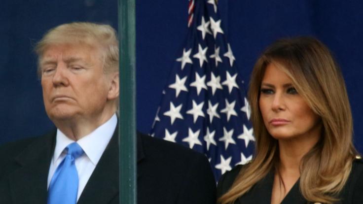 Neue Trennungsgerüchte: Donald Trump feiert alleine auf Party ohne Melania Trump. (Foto)