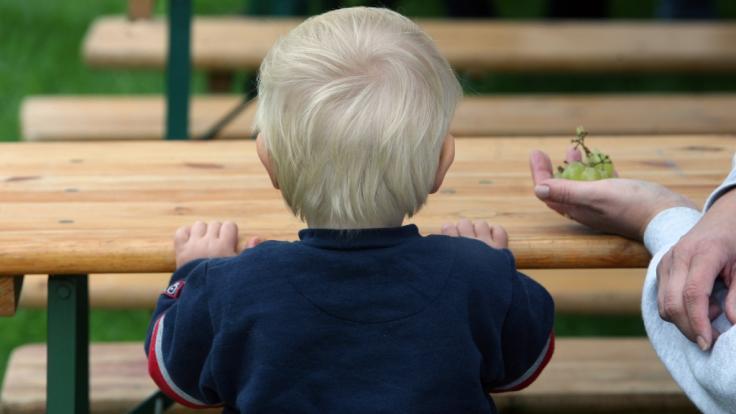 Die Zahl der armutsgefährdeten Kinder ist in Deutschland auf 1,85 Millionen gestiegen.