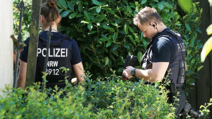 Nach dem Fund von Kinderpornographie bei einem 83-Jährigen in Wuppertal ermittelt die Polizei auf Hochtouren.