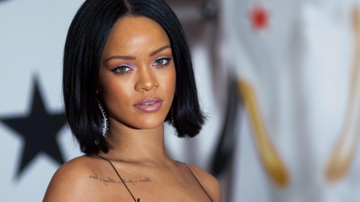 Rihanna geht bei Instagram baden. (Foto)