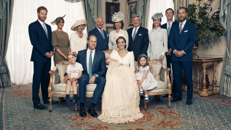 Prinz Louis Taufe Bei Diesen Baby Bildern Macht Die