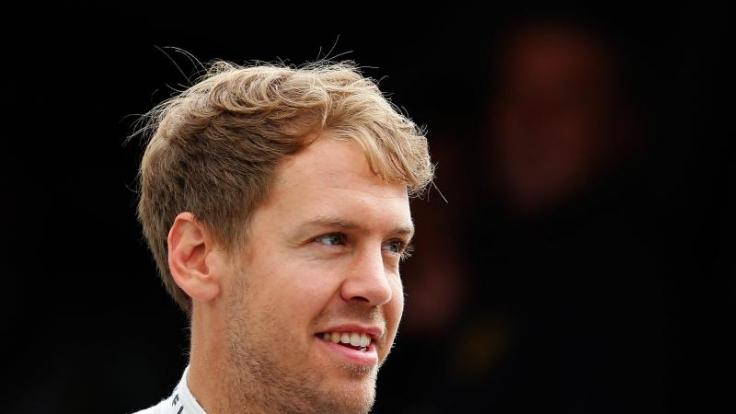 Schumi ist wach! Diese Nachricht kommt für Sebastian Vettel einem kleinen Wunder gleich.