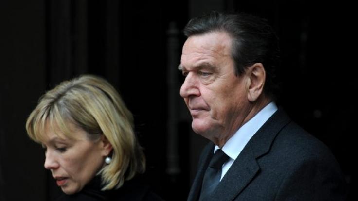Das ehemalige Kanzler-Paar Gerhard Schröder und Doris Schröder-Köpf gehen nun getrennte Wege.