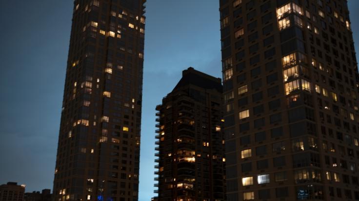 Das blaue Licht über New York führte zu wilden Spekulationen.