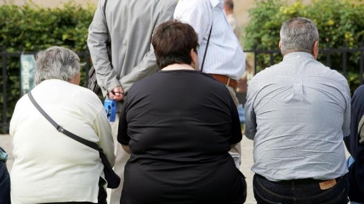 Unschön, wenn sich der BH unter der Kleidung abzeichnet. (Foto)