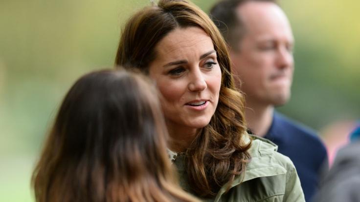 Kate Middleton ist bei Royals-Fans so beliebt, dass es die Herzogin von Cambridge sogar als Puppe gibt.