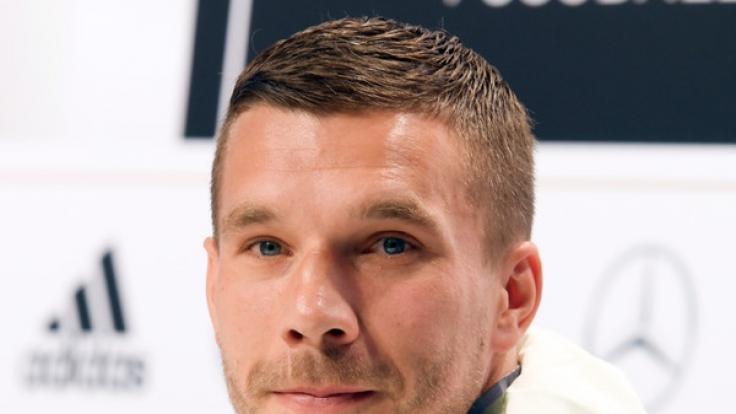 Lukas Podolski arbeitete für einen Abend am Dönerstand. (Foto)
