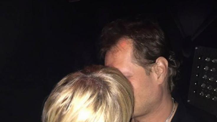 Das Geheimnis um Jens Neue scheint gelüftet, jedenfalls fast: Erster Schnappschuss von Jens mit seiner neuen Liebe! Darunter schreibt er liebevoll: