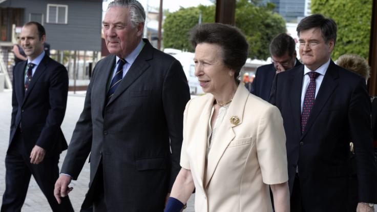 Todesschock bei den Royals:Lord Samuel Vestey (2.v.l.), hier mit Prinzessin Anne, ist im Alter von 79 Jahren gestorben. (Foto)