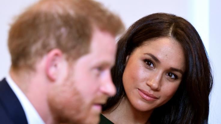 Meghan Markle muss sich auf eine längere Trennung von Ehemann Prinz Harry gefasst machen. (Foto)