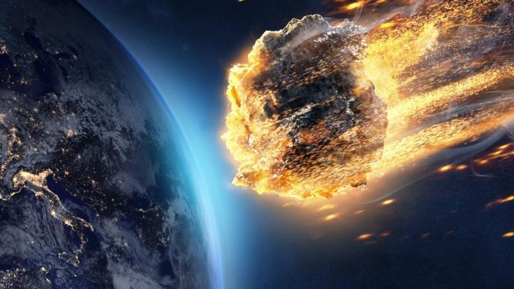 Ein Meteorit hat den Himmel über Russland erleuchtet.