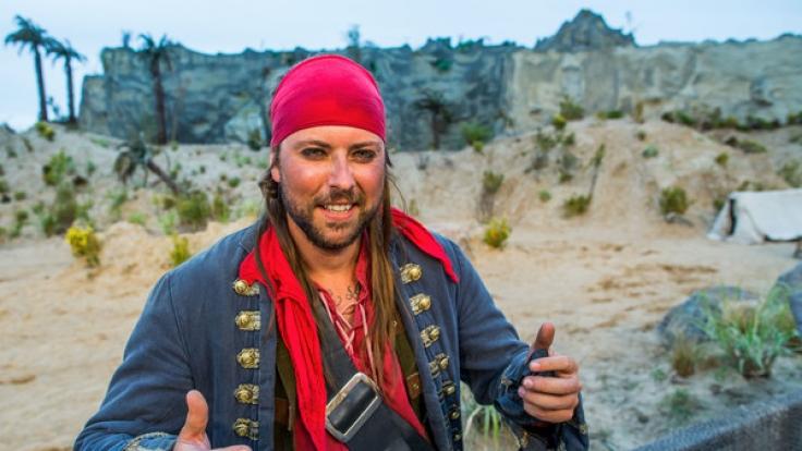 """Jascheroff spielt in dem Stück """"Das Geisterschiff"""" einen Piraten. (Foto)"""