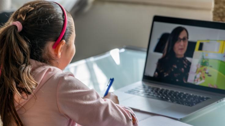 Die 7-Jährige wurde während ihrer Online-Unterrichtsstunde sexuell angegriffen. (Foto)