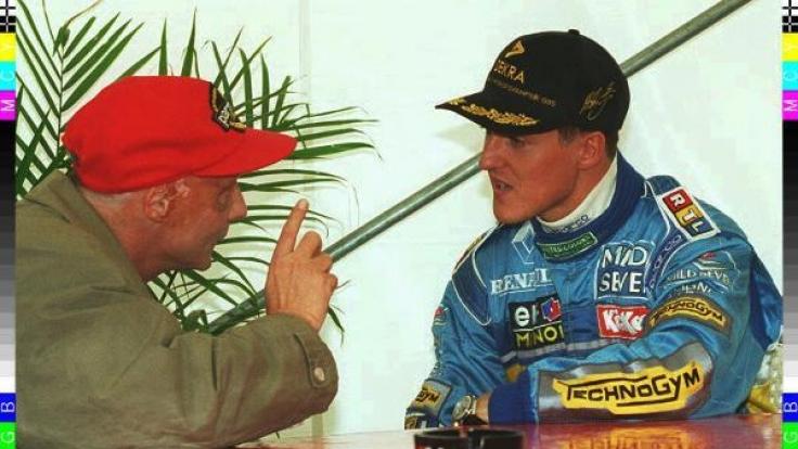 Michael Schumacher und Niki Lauda im Gespräch. (Foto)