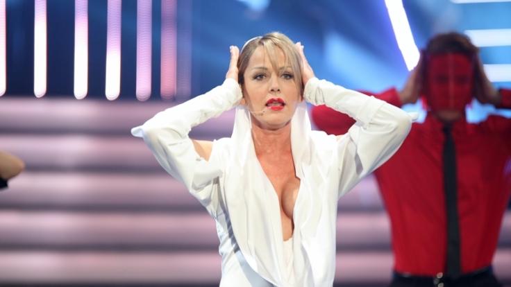 Inka Bause als sexy Kylie Minoque. (Foto)