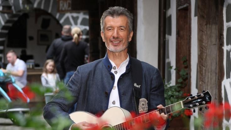 Der Südtiroler Musiker Oswald Sattler ist am 02.07.2017 bei Stefan Mross bei