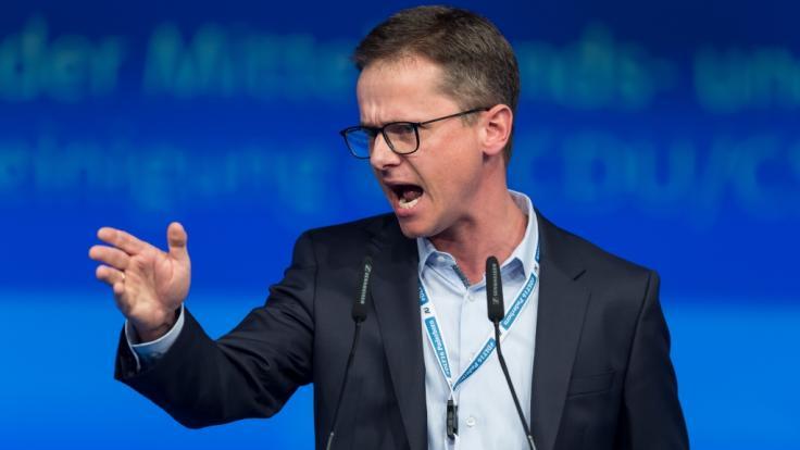 """Der CDU-Politiker Carsten Linnemann hat sich am Dienstag (06.08.2019) durch ein Interview in der """"Rheinischen Post"""" eine große mediale Aufmerksamkeit verschafft. (Foto)"""